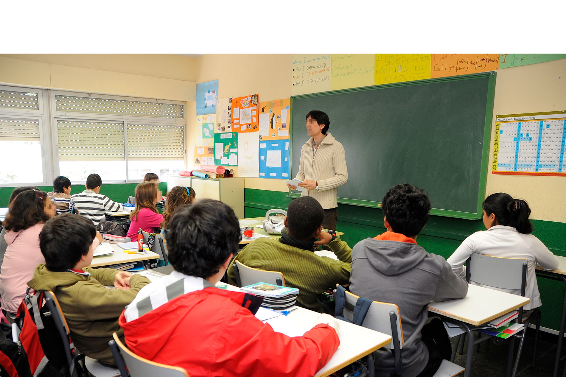 Profesor-dando-clase-colegio-Fortuny-3