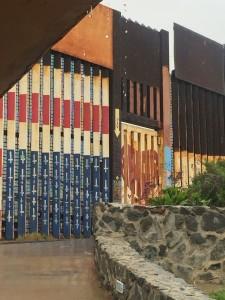 Foto del muro que separa México de Estados Unidos