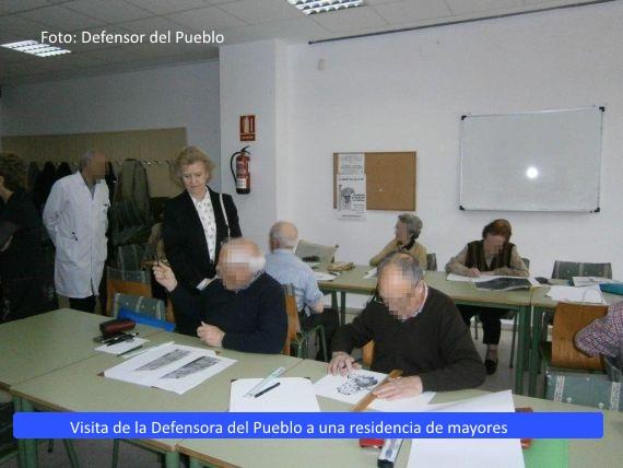 El Defensor del Pueblo reafirma su voluntad de luchar contra la discriminación de las <strong>personas mayores</strong>