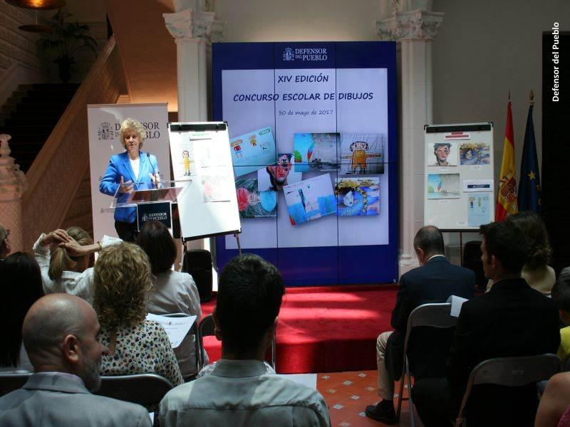 Discurso Soledad Becerril durante la Entrega premios XIV Concurso Escolar de dibujos en la sede de la institución ante todos alumnos y personal docente