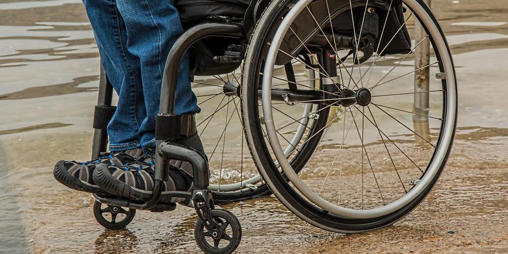 Persona con <strong>discapacidad</strong> obtiene <strong>abono de transporte</strong> a precio reducido tras actuar el Defensor del Pueblo