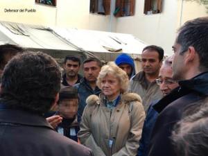 Defensora en el campo de refugiados de Termópilas