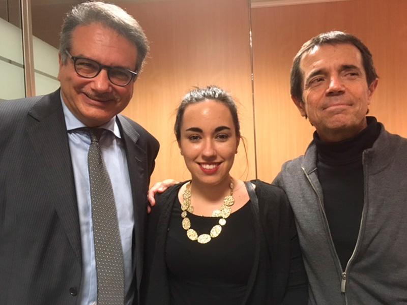 Imagen del acto.Andrés Jiménez jurno Sheila Marín (Observatorio del sistema penal y derechos humanos de la Universitat de Barcelona) y a Iñaki Rivera (profesor titular de Derecho de la Universidad de Barcelona)