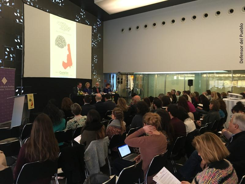 Conferencia de la Defensora del Pueblo en el Colegio Oficial de Psicólogos de Castellón