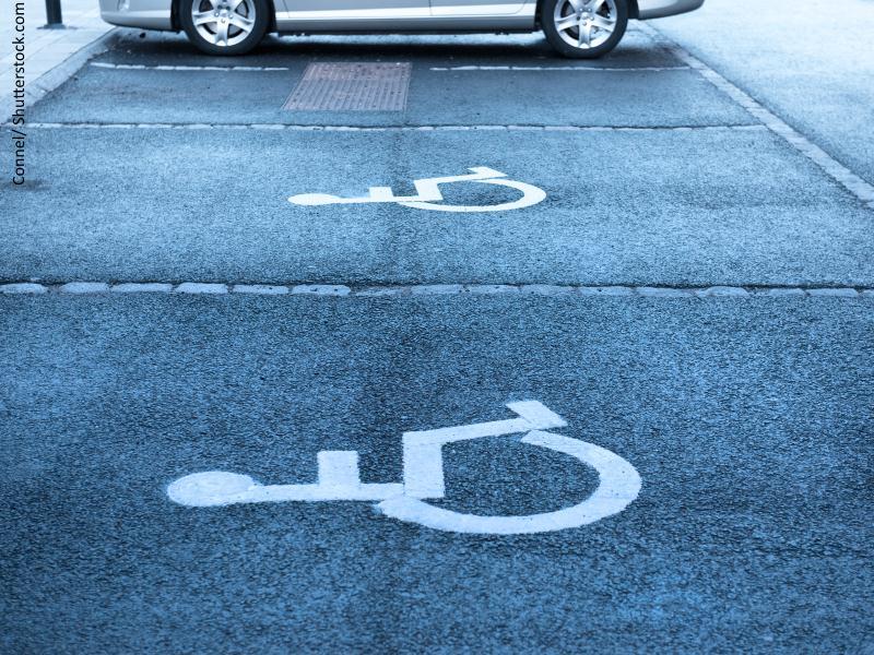 simbolo de discapacida en el suelo parkin