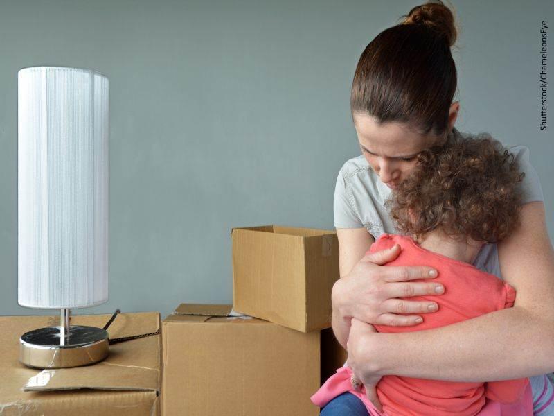 Madres y padres extranjeros de menores españoles
