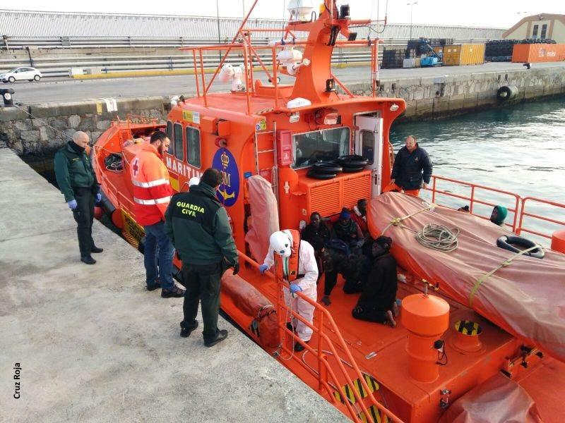 Embarcación inmigrantes Cruz Roja