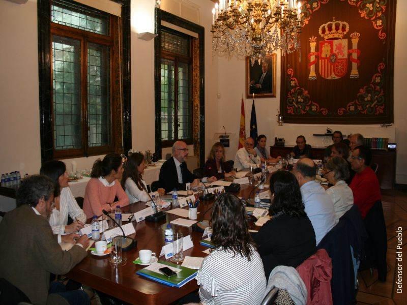 Miembros del MNP reunidos con la delegación del subcomité para la prevención de la tortura de la ONU en la sede del Defensor del Pueblo