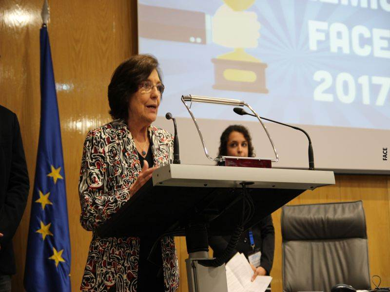 Concepció Ferrer i Casals (adjunta segunda) durante su intervención en los premios FACE