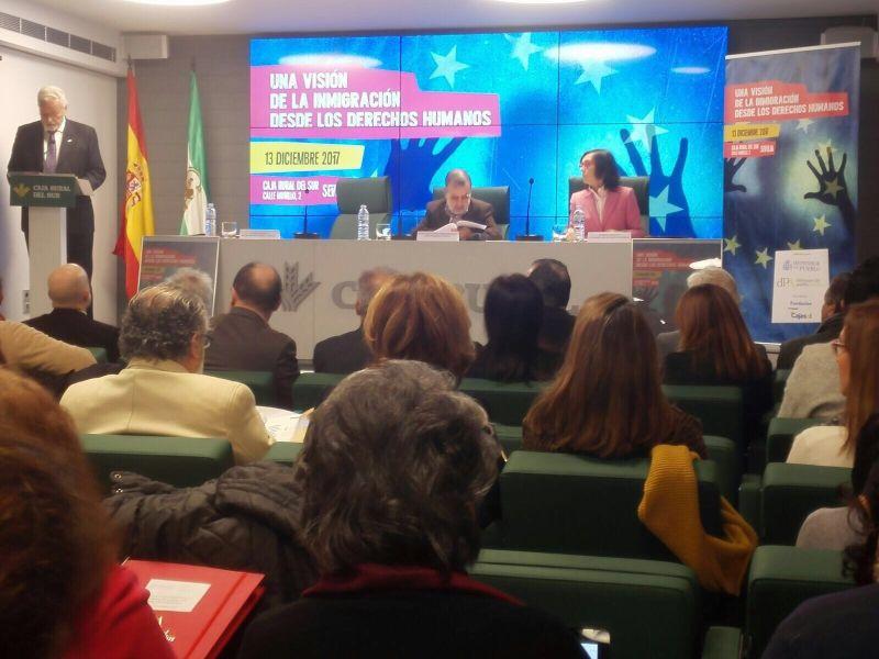 Jesús Maeztu Gregorio de Tejada, Defensor del Pueblo Andaluz, da su discurso en la jornada