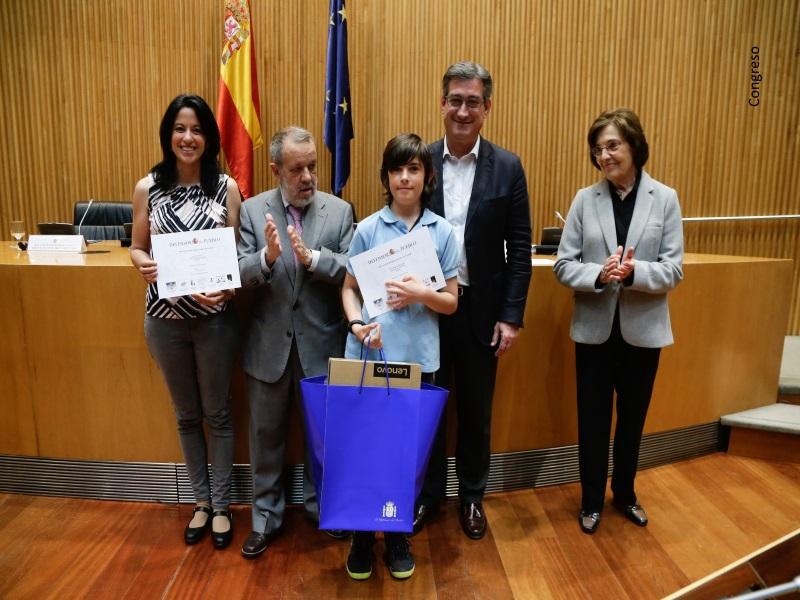 El Defensor del Pueblo (e.f.) entrega los premios de la XV edición del Concurso de Dibujo Escolar en el Congreso de los Diputados