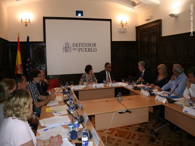 Jornada de trabajo con representantes de la administración sobre internos con discapacidad en centros penitenciarios