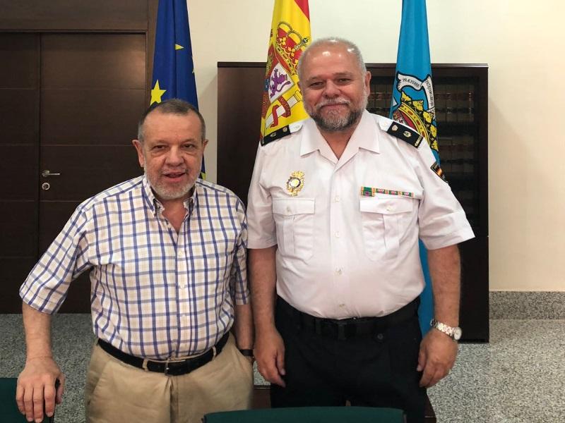 Reunión del Defensor del Pueblo (e.f.), Francisco Fernández Marugán, con Cuerpo Nacional Policía en Melilla