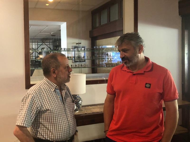 Encuentro del Defensor del Pueblo (e.f.), Francisco Fernández Marugán, con el ex futbolista Nayim