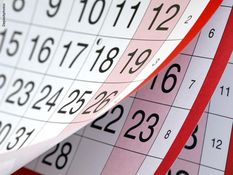Calendario con una hoja por cada mes