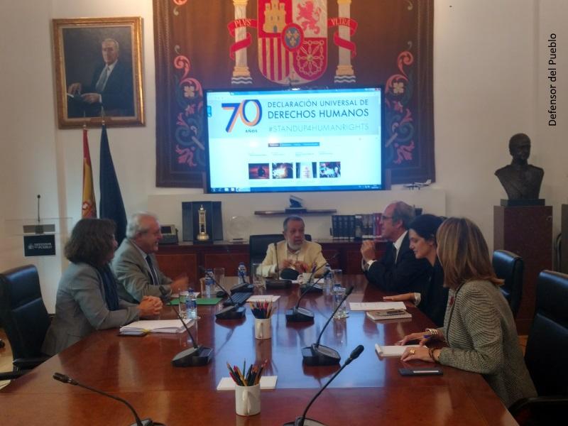 Reunión del Defensor del Pueblo (e.f.), Francisco Fernández Marugán, con el portavoz del PSOE en la Asamblea de Madrid, Ángel Gabilondo.