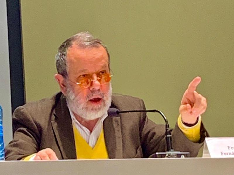 Defensor en conferencia Prodiversa