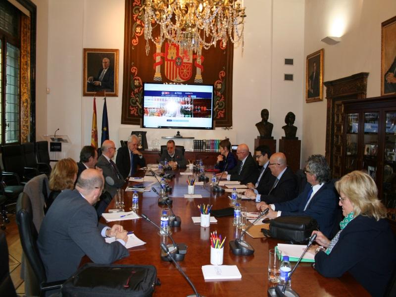 El Defensor del Pueblo en la sede de la Institución con una delegación del Consejo General de la Abogacía Española (CGAE)