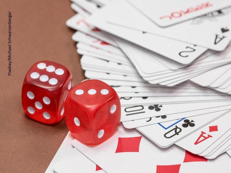 Dados, cartas, juego, apuestas