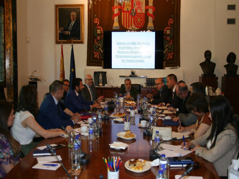 Reunión en la sede del Defensor del Pueblo con representantes del Ministerio de Justicia de Turquía