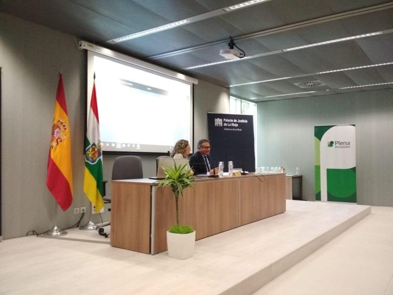 El jefe del Área de Seguridad y Justicia, Andrés Jiménez, durante la presentación del estudio presos con discapacidad