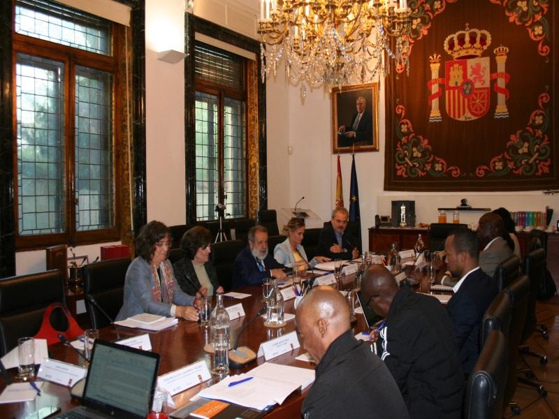 Reunión en Sede Defensor del Pueblo con delegación sudafricana