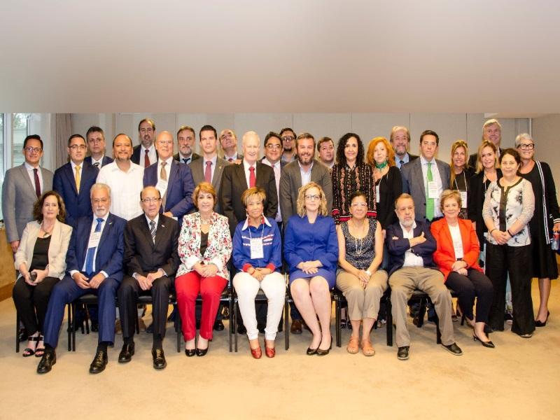 Foto grupal del XXIV Congreso FIO