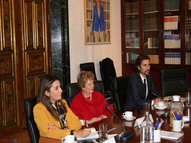 María Lúcia Amaral, Provedora de Justiça de Portugal, durante su visita a la institución