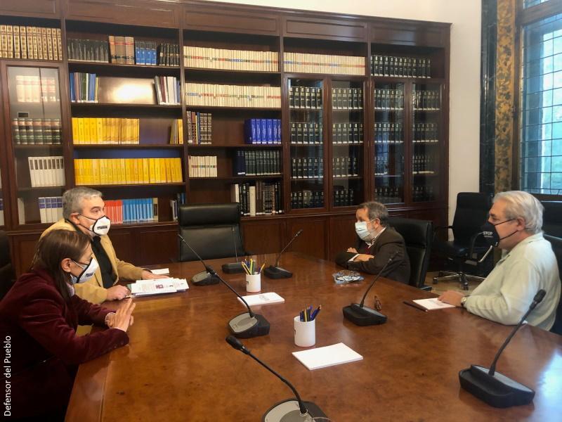 Reunión del Defensor del Pueblo (e.f.) con la asociación movimiento contra la intolerancia