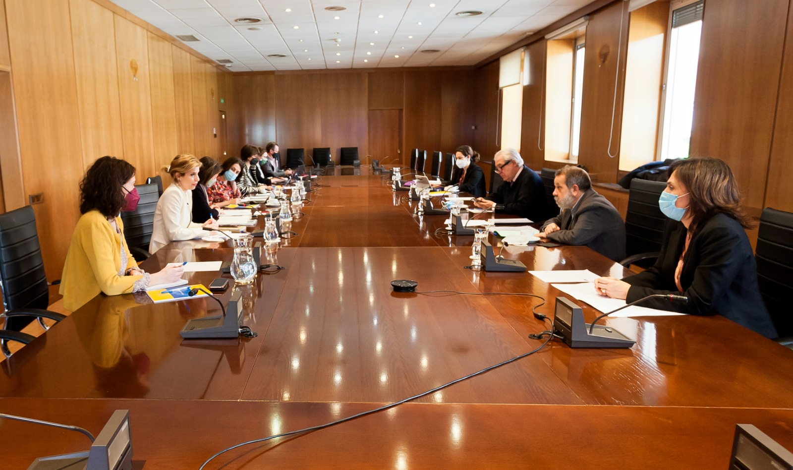 Reunión del Defensor del Pueblo (e.f.), Francisco Fernández Marugán, con la secretaria de Estado de Migraciones, Hana Jalloul
