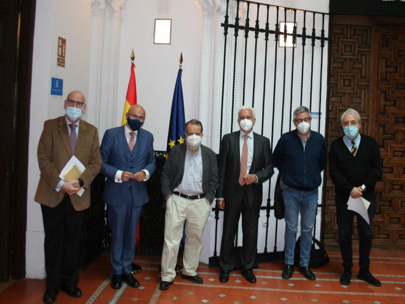 Reunión del Defensor del Pueblo (e.f.), Francisco Fernández Marugán, con representantes de la Plataforma