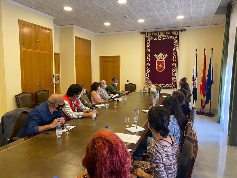 El Defensor reunido con ONG en Ceuta
